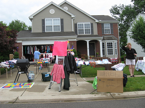 garage sale setup ideas - 5 tips for a successful home garage sale